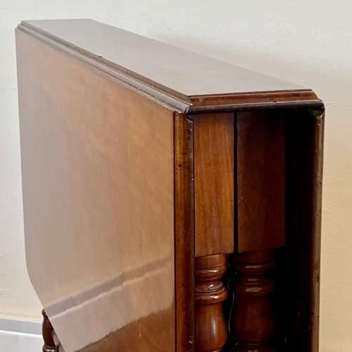 Victorian Mahogany Sutherland Table image-5
