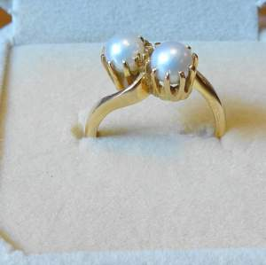 9ct Gold Pearl Crossover Ring