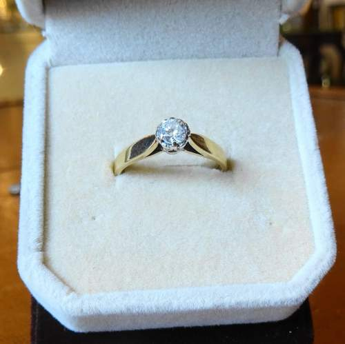 9ct Gold Solitaire Diamond Ring image-3
