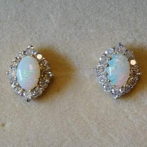 18ct Gold Earrings Set with Opals and Diamonds