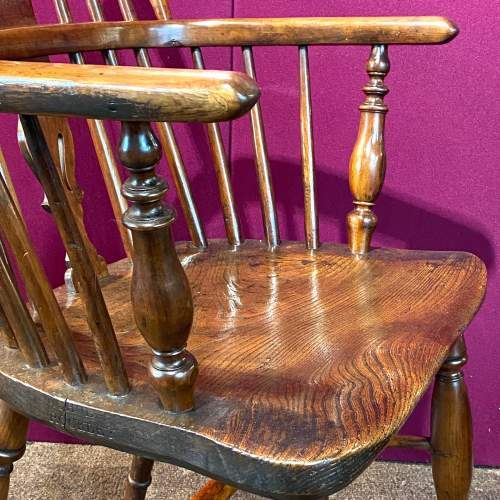 19th Century Yew and Elm Windsor Chair image-4
