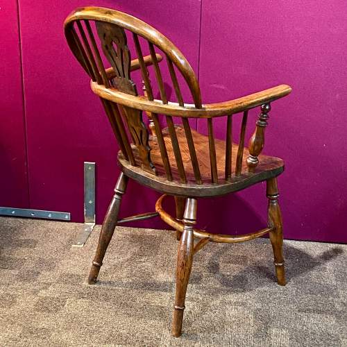 19th Century Yew and Elm Windsor Chair image-6