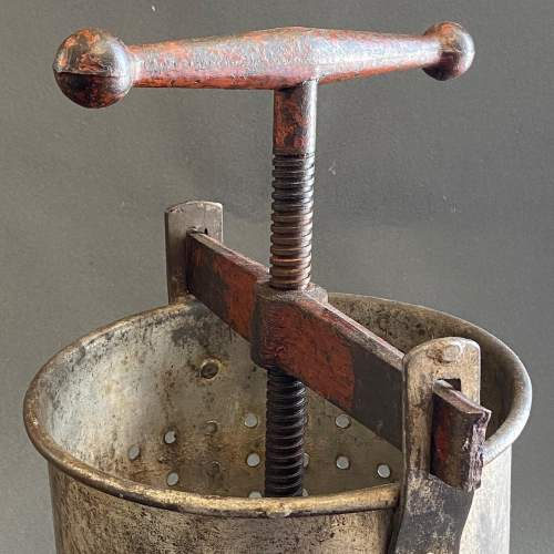 Early 20th Century Galvanised Tin and Cast Iron Fruit Press image-4