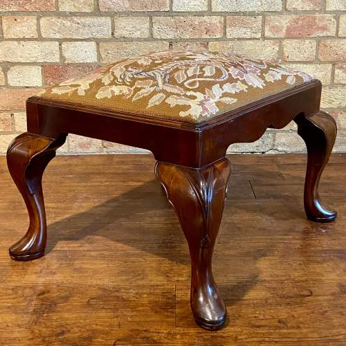 Early 20th Century Mahogany Stool with Mythical Dragon Embroidered Seat image-6