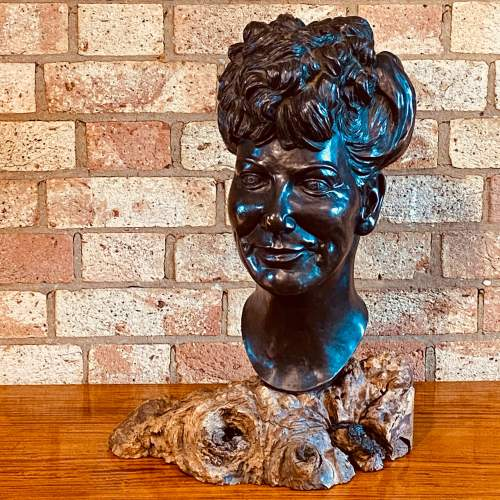 Large Cast Bronze Bust of an Edwardian Lady image-1
