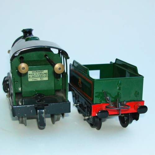 Hornby 0 gauge Locomotive & Tender No 501 and Boxes image-5