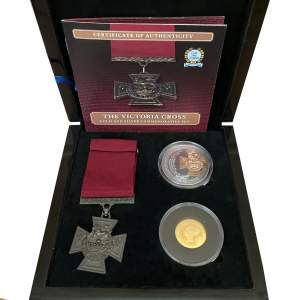 Commemorative Victoria Cross Three Piece Set
