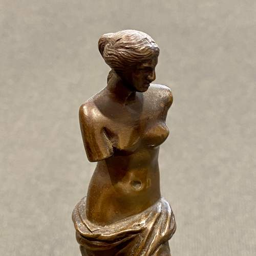 Small Bronze Venus de Milo After the Original Statue image-2