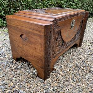 Good Quality Oriental Camphor Wood Chest