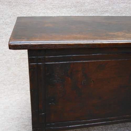 17th Century Six Plank Oak Chest image-5