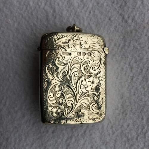 Late Victorian Solid Silver Vesta Case image-1