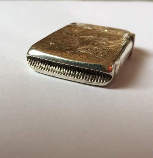 Late Victorian Solid Silver Vesta Case image-5