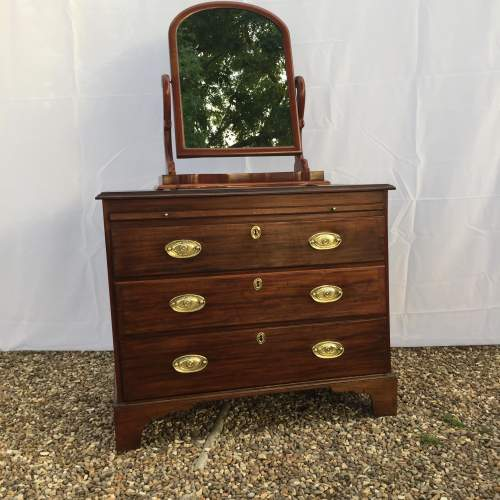 Early 19th Century George III Mahogany Bachelor's Chest of Drawer image-4