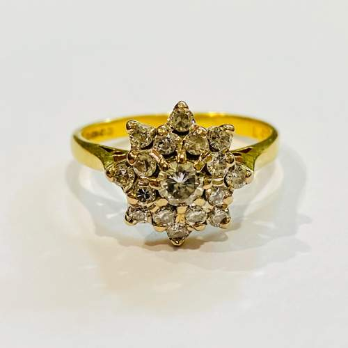 Vintage 18ct Gold Diamond Cluster Ring image-2