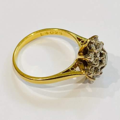 Vintage 18ct Gold Diamond Cluster Ring image-3