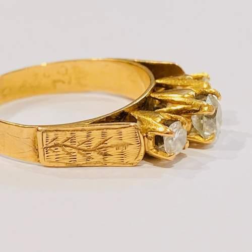 Vintage 18ct Gold Three Stone Diamond Ring image-3