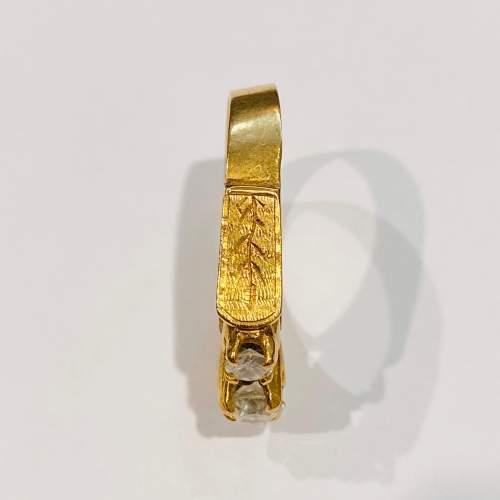 Vintage 18ct Gold Three Stone Diamond Ring image-4