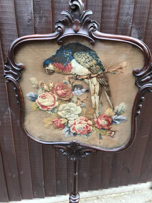 19th Century Mahogany Pole Screen with Fine Crewel Work image-3