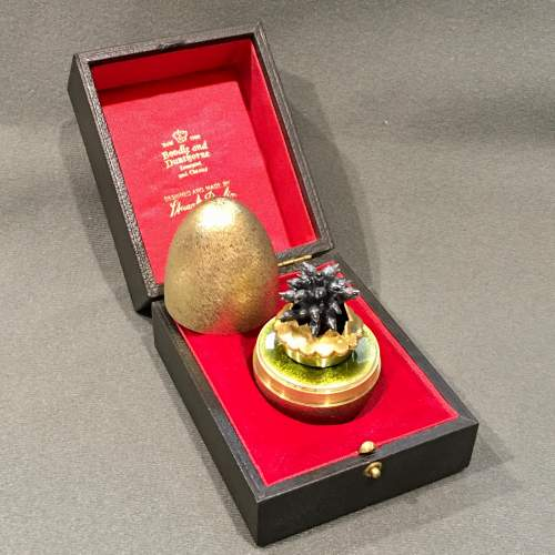 Stuart Devlin Gilt Surprise Egg Four and Twenty Blackbirds image-1