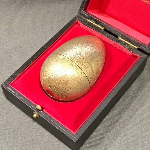 Stuart Devlin Gilt Surprise Egg Four and Twenty Blackbirds image-5