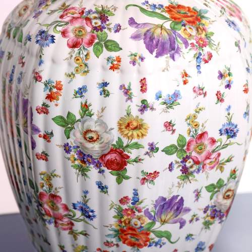 Fluted Octagonal Ginger Jar and Cover with Chintz Floral Decoration image-4