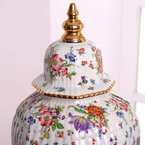 Fluted Octagonal Ginger Jar and Cover with Chintz Floral Decoration image-5