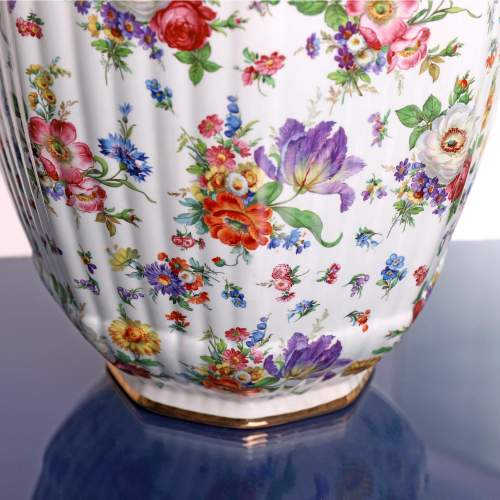 Fluted Octagonal Ginger Jar and Cover with Chintz Floral Decoration image-6