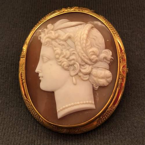 19th Century Classical Style Shell Cameo Brooch image-1