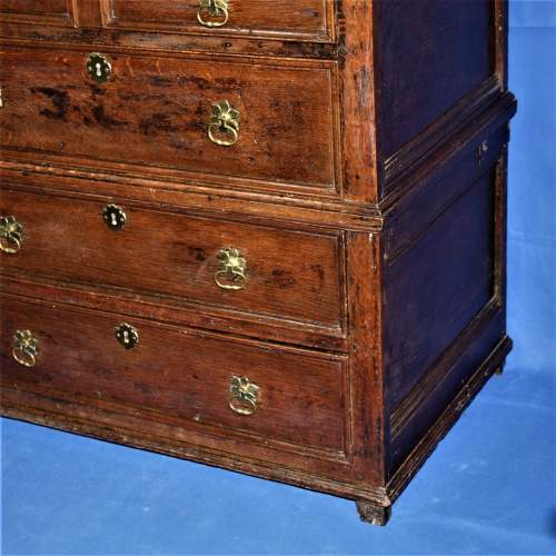 A Good Early Oak Splitter Chest of Drawers image-2
