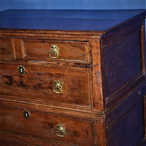 A Good Early Oak Splitter Chest of Drawers image-3