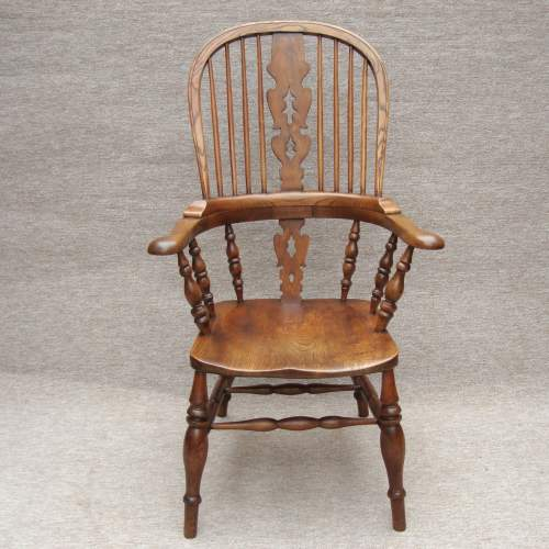 19th Century Windsor Bow Back Chair image-2