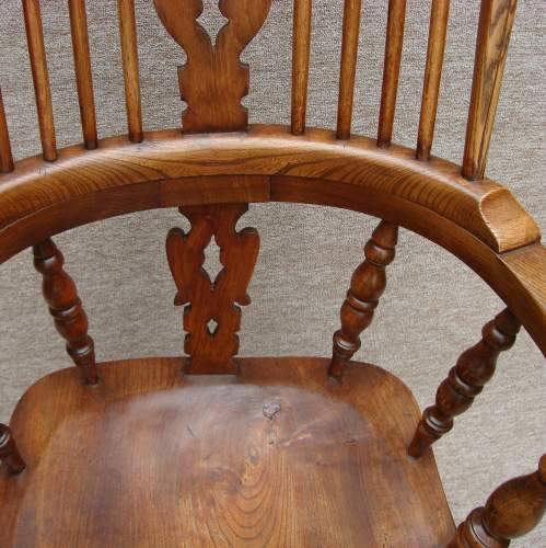 19th Century Windsor Bow Back Chair image-6