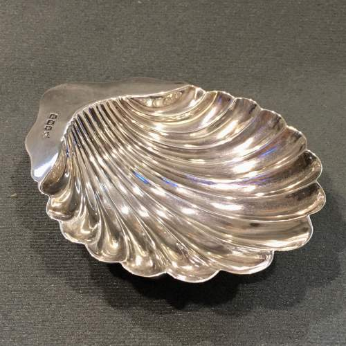 Early 20th Century Silver Shell Dish image-1