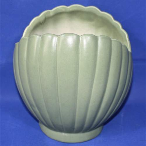 1950s Green Shell Shaped Vase by Pearsons of Chesterfield image-1
