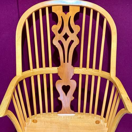 Stewart Linford Yew and Oak Windsor Chair image-2