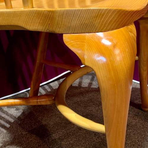 Stewart Linford Yew and Oak Windsor Chair image-4