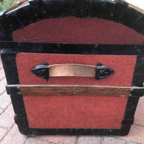 Domed Steel Banded Leather Chest image-4