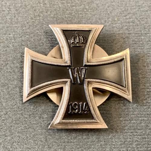 1914 Iron Cross Screw Back Badge image-1