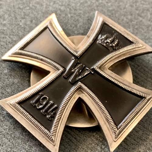 1914 Iron Cross Screw Back Badge image-2