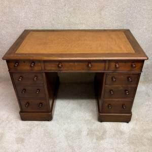 Late 19th Century Mahogany Pedestal Desk