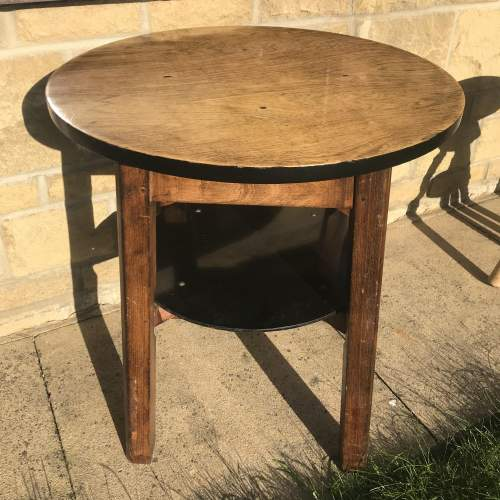A Good Solid Oak Vintage Tavern Table With Shelf image-5
