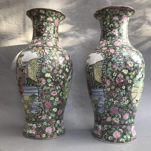 Pair of Decorative 20th Century Chinese Porcelain Vases image-5