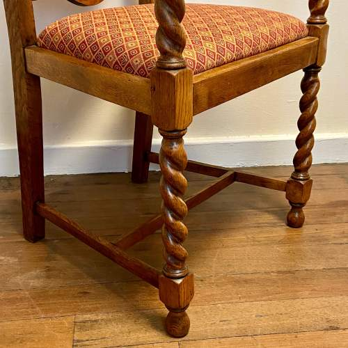 1920s Oak Hall Chair with Barley Twist Details image-3