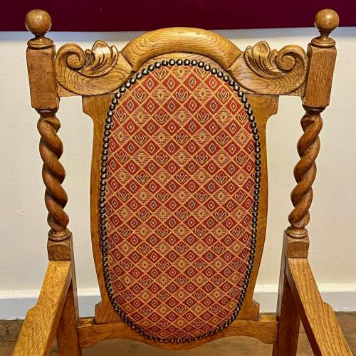 1920s Oak Hall Chair with Barley Twist Details image-4