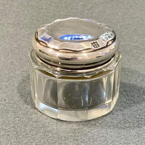 Early 20th Century Pair of Matching Silver Topped Glass Pots image-2