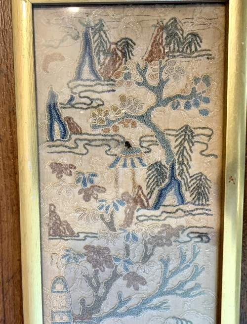 Framed Qing Dynasty Chinese Silk Sleeve image-3