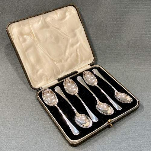 20th Century Boxed Set of Six Silver Spoons image-1