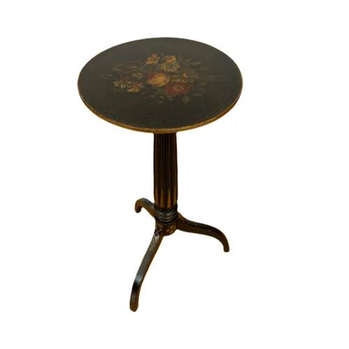 Decorative Victorian Lamp Table image-1