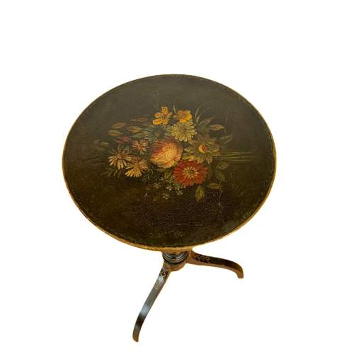 Decorative Victorian Lamp Table image-2