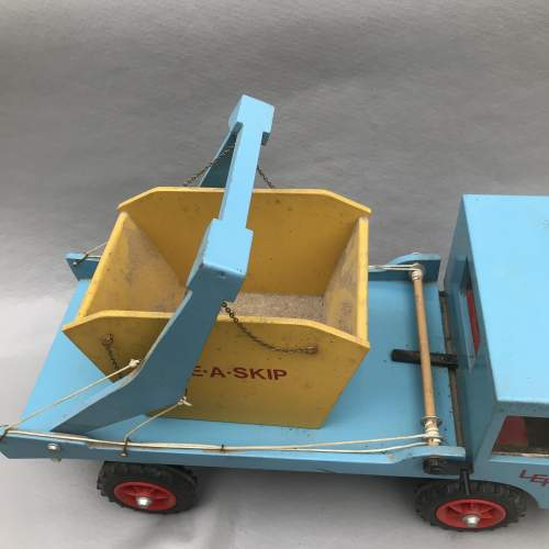 Hand Built Wooden Skip Lorry image-6